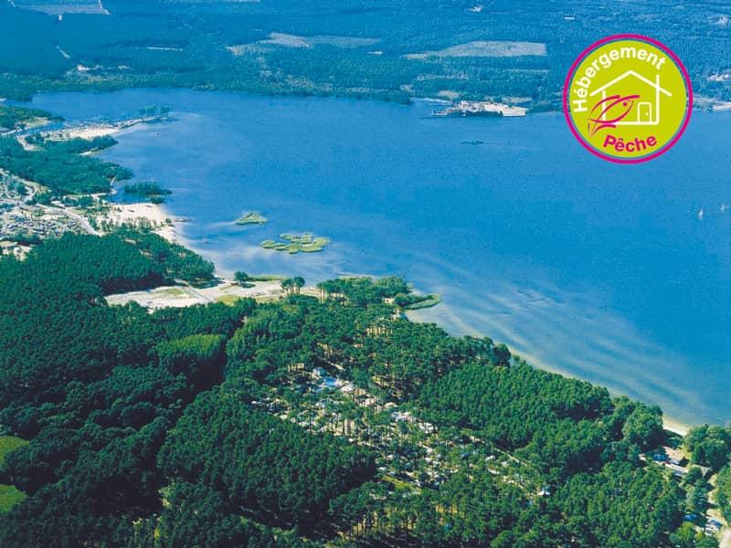 Vue aérienne d'un lac landais